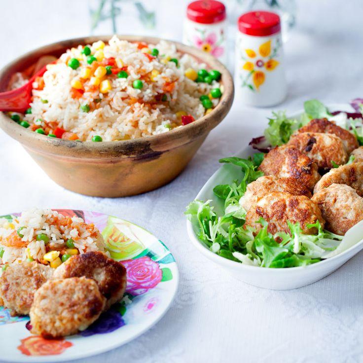 Enkla tonfiskbiffar med kokt potatis, som är goda till sallad och ris.