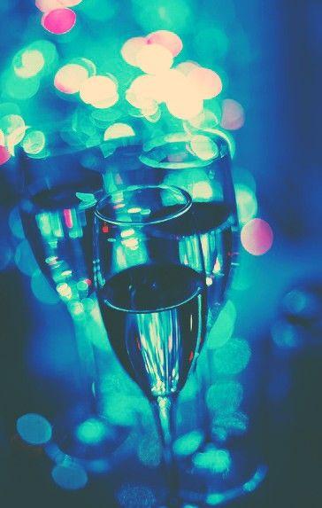It's party time, babies! Prendete spunto dalla sezione dedicata sul nostro sito per una serata perfetta! #Motivi #MotiviFashion #Miroglio #Shopping #PartyStyle #NewCollection