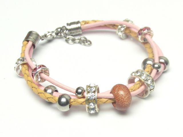 różowo-beżowa bransoletka, cyrkonie i piasek pustyni, rzemyki skóra naturalna, zapięcia i elementy ze stali szlachetnej antyalergicznej
