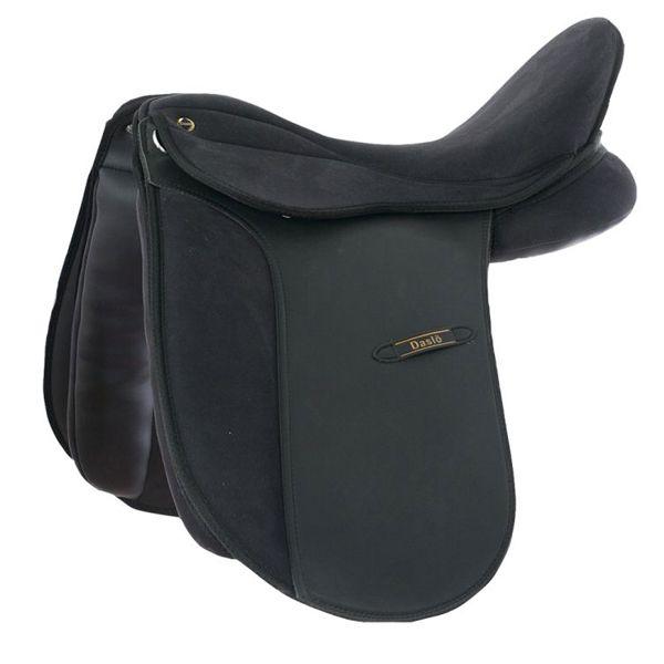 Sella Daslo da dressage in pelle sintetica, provvista di archetto intercambiabile che consente di adattare la sella al garrese di ogni cavallo.
