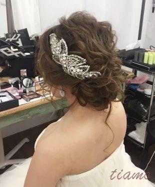外人風ゆるっとルーズな2StyleでWedding Party♡♡ | 大人可愛いブライダルヘアメイク 『tiamo』 の結婚カタログ