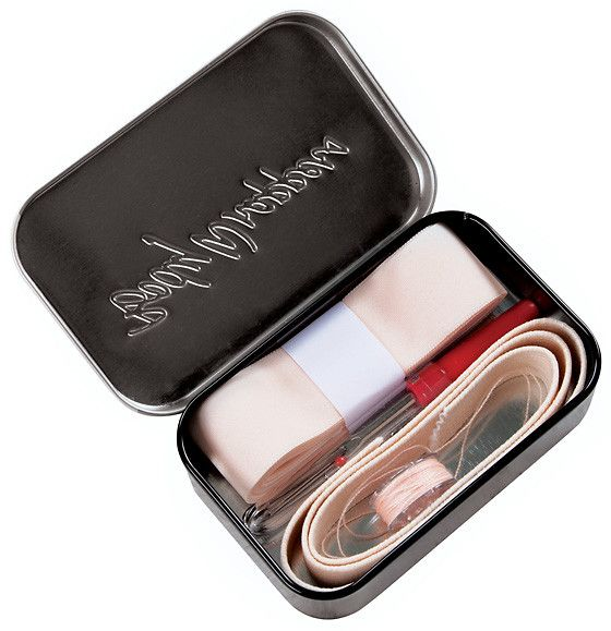 Bodywrappers Pointe Shoe Kit *2 needles cleverly stored inside seam ripper cover.