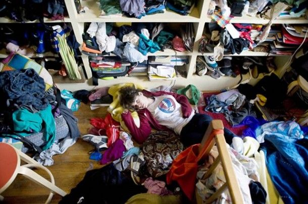 """A Girl and Her Room"""" is a photography project by Rania Matar, a Lebanese-American photographer who has traveled the world to make pictures of girls rooms between 12 and 20 years to mark the differences but also similarities"""