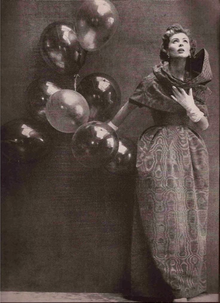 1952 Dior.Avedon . Suzy Parker