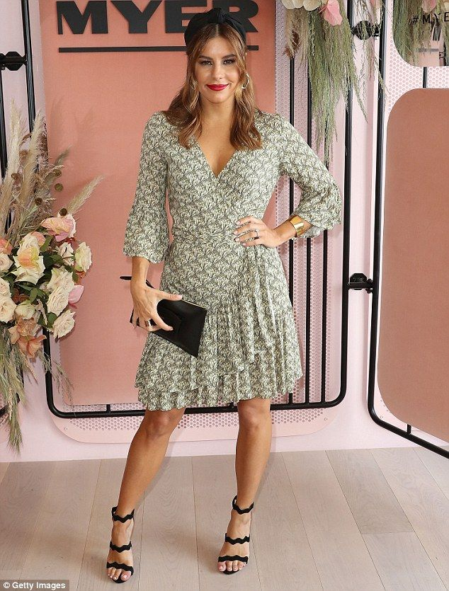 Lauren Phillips sports flirty thigh-skimming frock at Stakes Day 2016