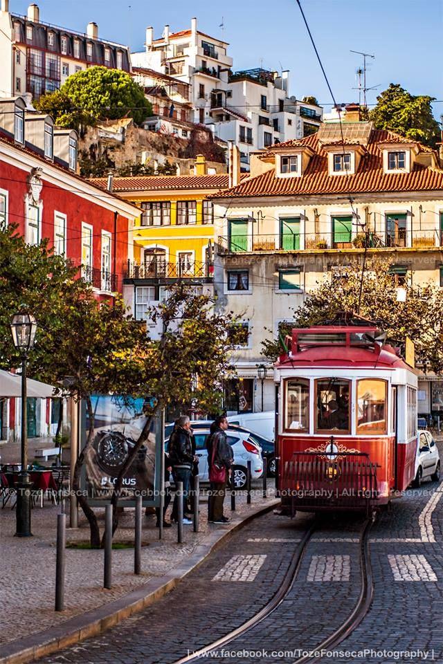 Largo das Portas do Sol - LisboN, Portugal
