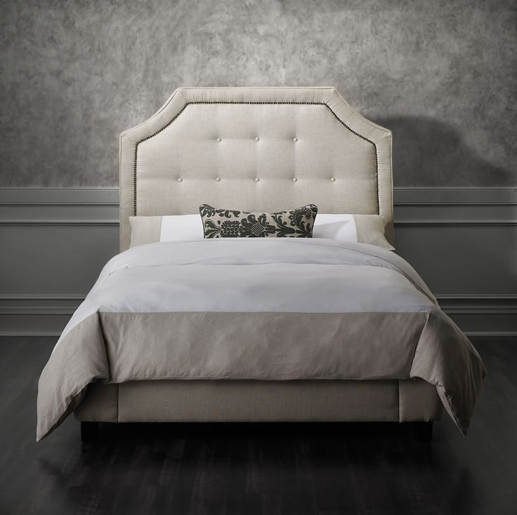 Exhibiting An Original Double Carved Silhouette Shape The Jasmine Bedroom Collection Is A Conspicuous Dump Furniturebedroom