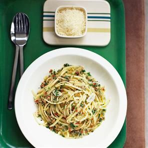 Tuna, parsley and lemon spaghetti - Toss cooked spaghetti with 1 tin tuna, 1 clv minced garlic, 1 bunch of chopped parsley, juice and zest of 1 lemon.