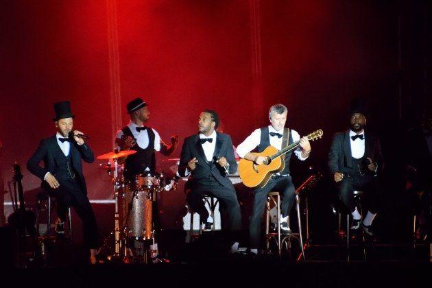 retrouvez Christophe Maé et ses musiciens sur scène, ici au Lac de la Madine. Pour en savoir plus ==>http://ma-musique-communautaire.com/christophe-mae-concert-lac-madine/