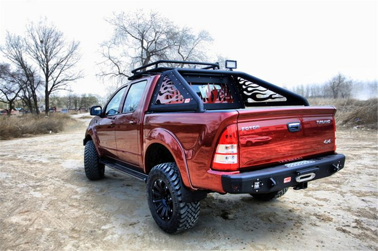 Equopped with roll bar,roof rack and rear bumper