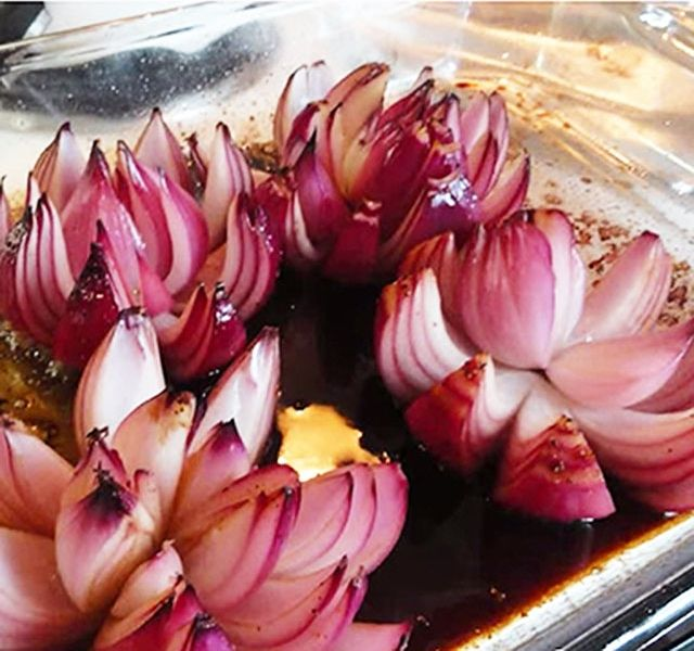 sült lila hagyma virág
