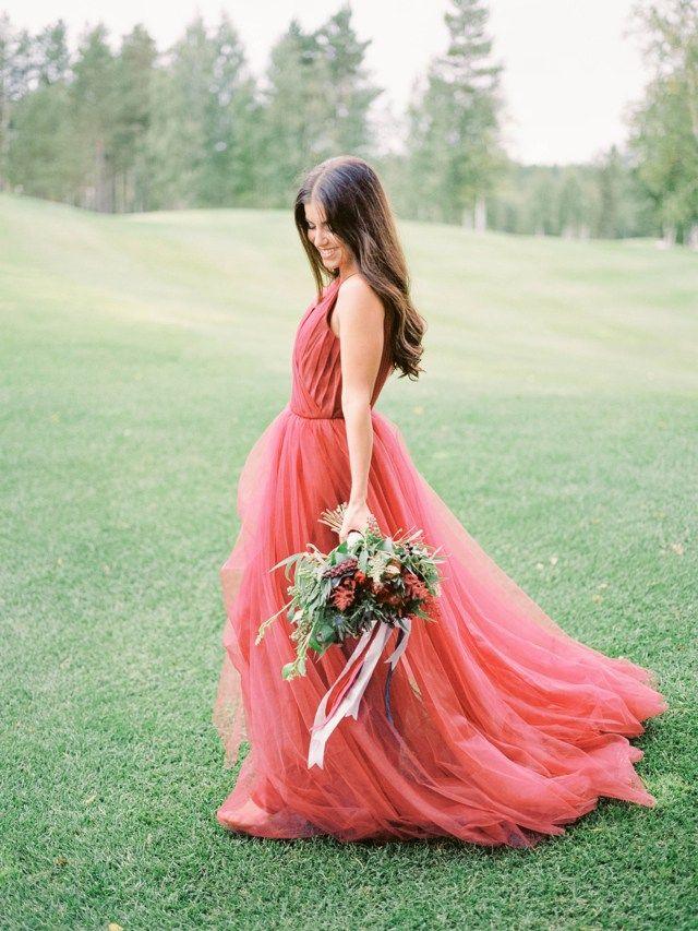 Sultry Red Wedding Inspiration | Photos by Anastasia Bryukhanova