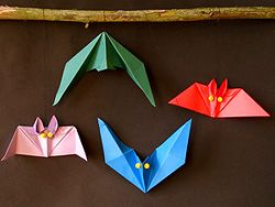 Fledermäuse basteln, Bat Origami, Halloween Crafts Animal Origami Pattern, how to , steb by step, Tutorial, kawaii, adorable, cute papercrafts for kids