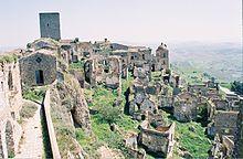 Città fantasma in Italia -basilicata craco