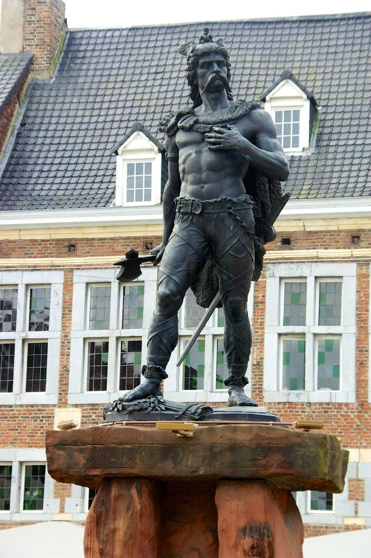 The statue of Ambiorix in Tongeren Belgium 1.000×1.504 ...