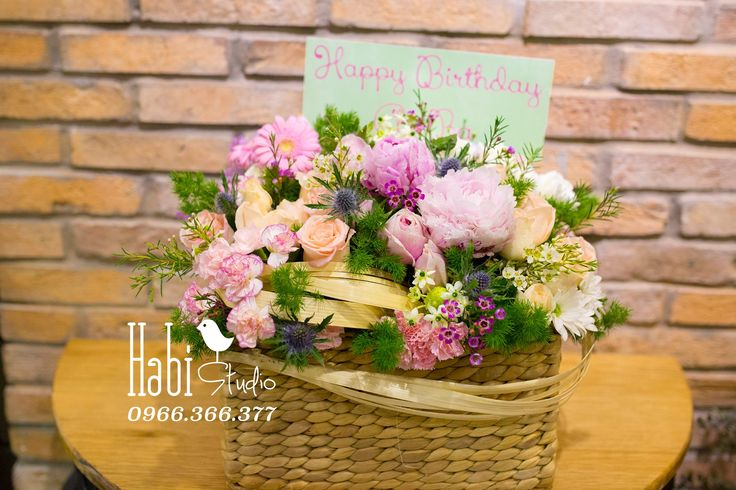 Habi flower, Habi studio, flower arrangement, birthday flower, Habi design, flower box, flower basket, vintage flower