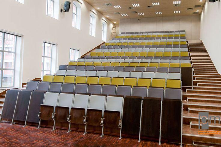 Sala audytoryjna z fotelami projektowanymi na zamówienie http://www.projektmebel.pl/realizacje/politechnika-lodzka
