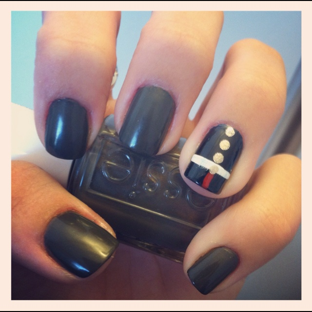 Love these Marine dress blue themed nails! #usmc