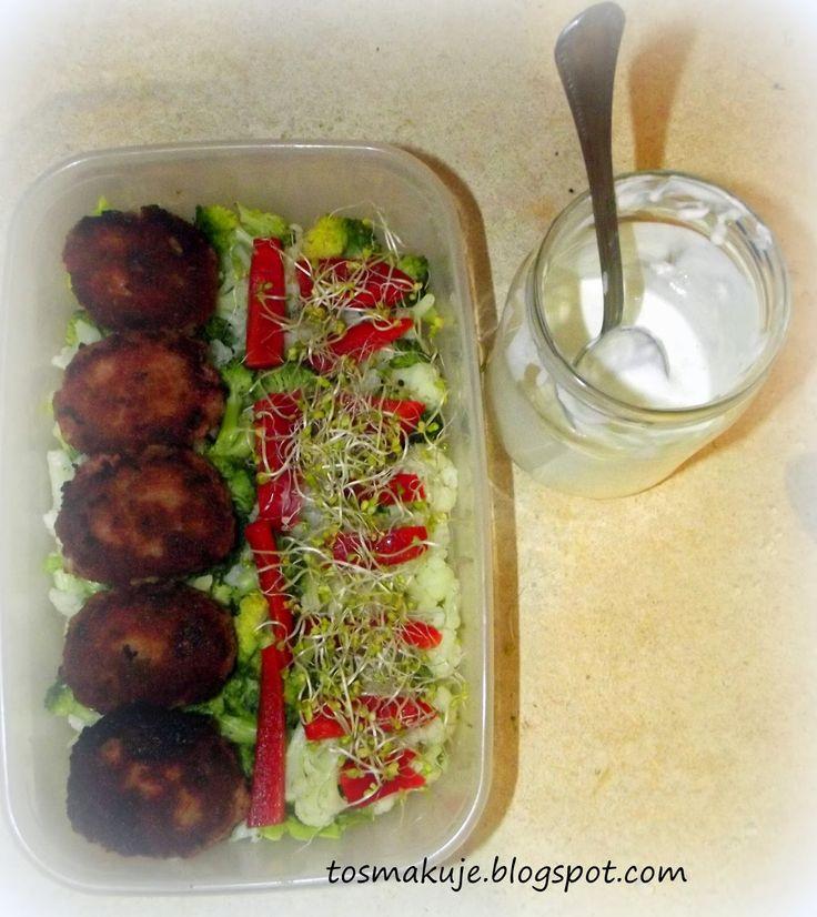 To smakuje: Obiad do pracy #2 Kotlety mielone musztardowe z kalafiorem i brokułem