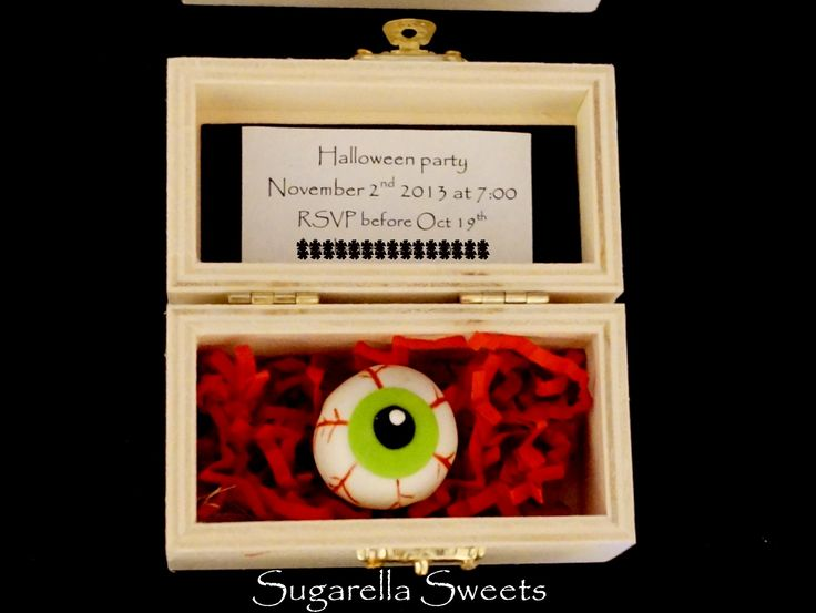 Eyeball cookie box invitation. Perfect for a spooky halloween
