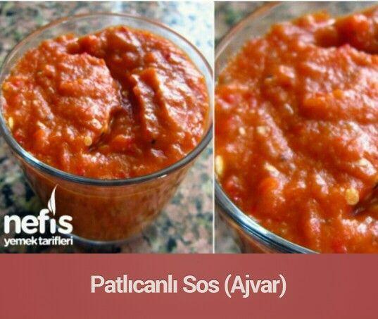 Patlıcanlı sos(ajvar)... Patlıcanlı Sos (Ajvar) Tarifi'nin Malzemeleri 2 adet orta boy patlıcan 4 adet domates 3 adet kırmızı biber 1 soğan 2-3 adet iri sarımsak 1 yemek kaşığı acı pulbiber 1 çay bardağı zeytinyağı Tuz Patlıcanlı Sos (Ajvar) Tarifi'nin Yapılışı Patlıcan ve kırmızı biberler közlenir kabukları soyulur. Soğan ve sarımsak küçük küçük doğranır ve yağda kavurulur. Domatesleri rondodan geçirilip eklenir. Domatesler suyunu çekmeye yakın, közlenmiş patlıcan ve kırmızı biberler küçük…