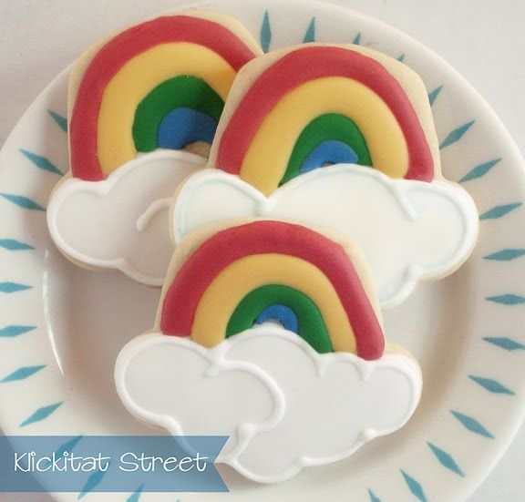 cupcake cookie cutter for rainbows!  Brilliant!