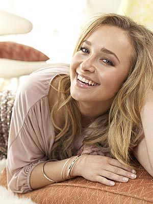 Star Trek fan fiction character Tr'Dorna (Hayden Panettiere) was a Xindi Reptilian teenaged girl who attended Picard High School.