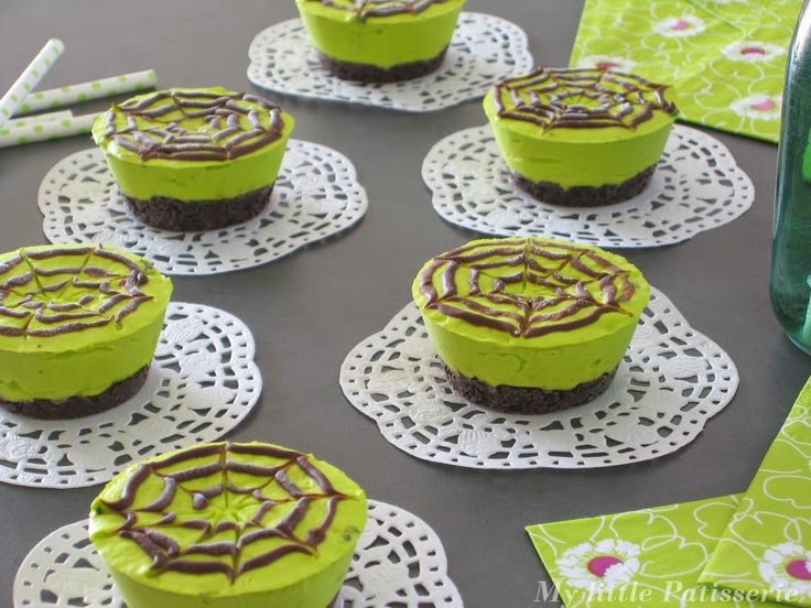 MylittlePatisserie: Cheesecake printanier { Menthe poivrée & Chocolat } Foodista #7