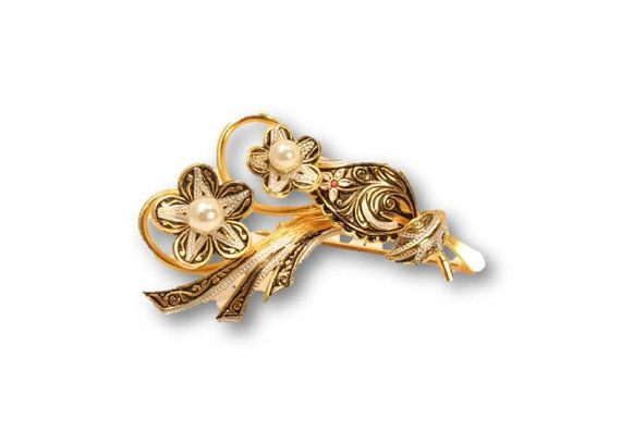 50% OFF SALE:  Flower Brooch, brass brooch, metal brooch, brooch, brooch pin, flower pin, clearance by clockworkrummage. Explore more products on http://clockworkrummage.etsy.com