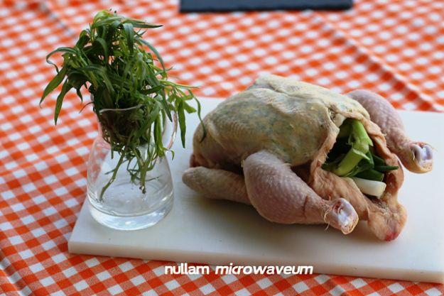 De perfect gebakken kip, met dragonboter en citroen