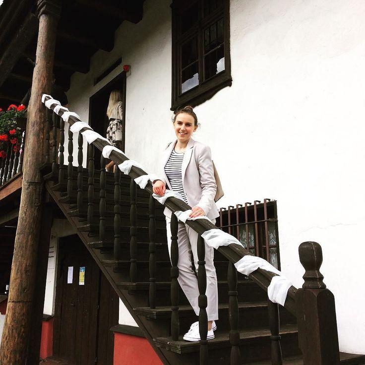 Exploring the exceptional city hall in Sulmierzyce Poland  . . . #sulmierzyce #wielkopolska #igerspoland #igerseurope #igerseu #teamwanderlust #travelcommunity #timeoutsociety #welivetoexplore #wanderlust #wearetravelgirls #girlslovetravel #girlsborntotravel #femmetravel #ladiesgoneglobal #wonderful_places #beautifuldestinations #travel_drops #exceptional_pictures #mobilnytydzienwakacje