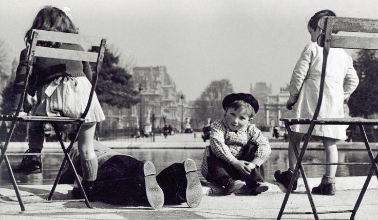 greeneyes55:  Jardin des Tuileries 1937 Photo: Herbert List