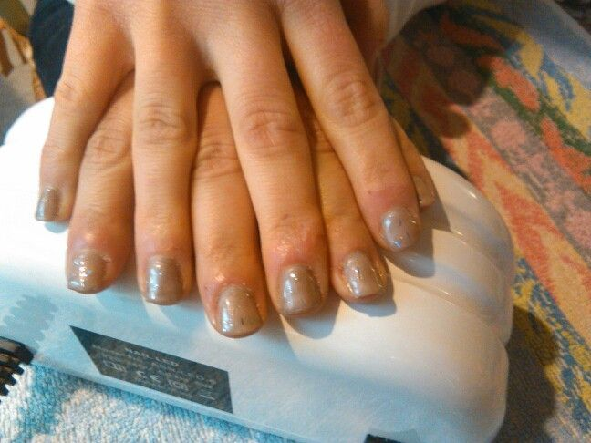 Gel color tortora con top coat con brillantini **CreatoDaMe**