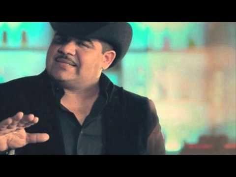 Se Me Sigue Notando Chuy Lizarraga Cover Song with Lyrics - YouTube
