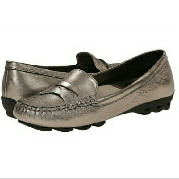 Easy Spirit e24/7 Comfort Collection Flats Pewter colored Fabiana leather loafers with cushion pods at forefoot and heel for extra shock absorption.  Part of the Super comfortable  e24/7 Collection. Easy Spirit Shoes Flats & Loafers