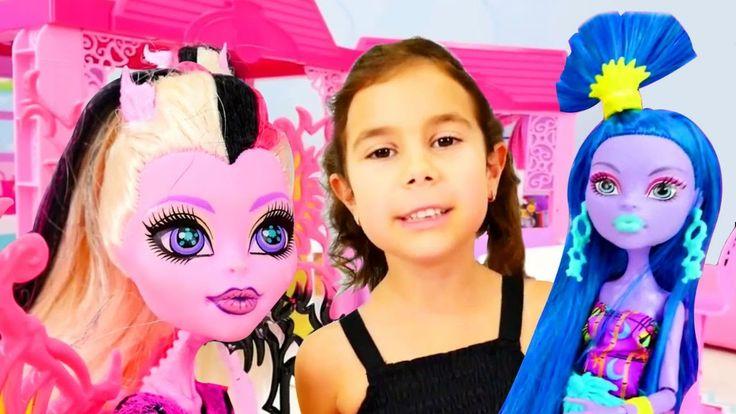 Вечеринка Монстр Хай Бониты и подружки Сони. Видео для девочек с куклами...
