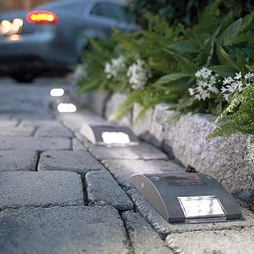 Great Idea For Driveway   Solar Lights