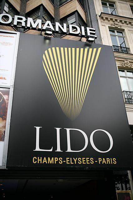 女性も楽しめるエンターテイメント「リド」パリの見所のひとつシャンゼリゼ通りを集めました!