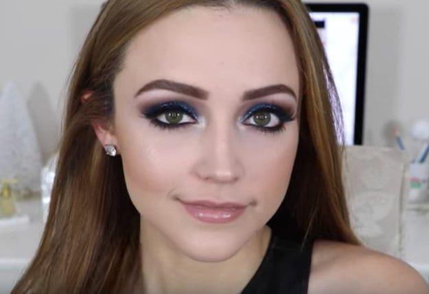 DIY Makeup Tutorials : Glittery Blue Eyes | Easy Eye Makeup For Green Eyes | Makeup Tutorials Guide