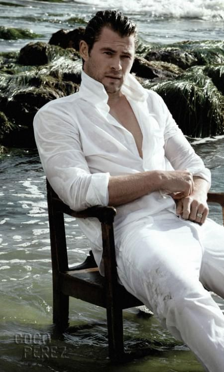 CHRIS HEMSWORTH = Christian Grey!!!! So hotter want to touch the hinny!