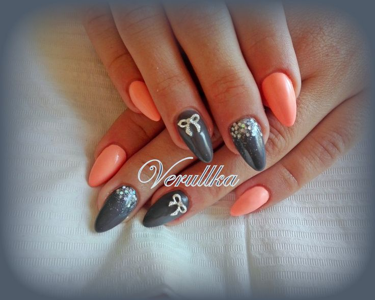 Grey and salmon gel nails with glitters and bows