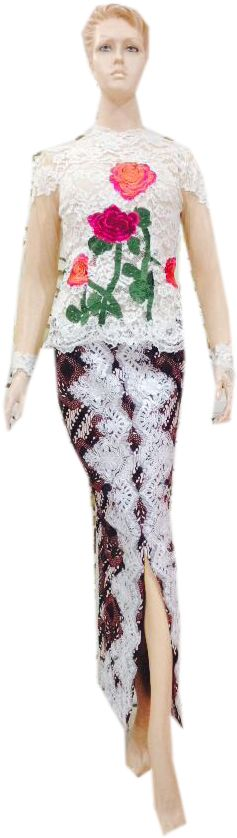 Bahan : Broklat motif bunga Ukuran : All size Model : Kebaya resleting belakang – bagian belakang model peplum Detail : Rok span belah tempel broklat Harga : Rp. 1.050.000,00 Stok : 3