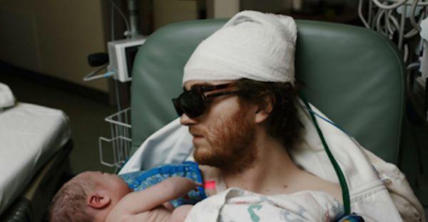 'Dio ti ringrazio', operato per la terza volta di tumore al cervello vede il figlio nascere – VIDEO - http://www.sostenitori.info/dio-ti-ringrazio-operato-la-terza-volta-tumore-al-cervello-vede-figlio-nascere-video/256692