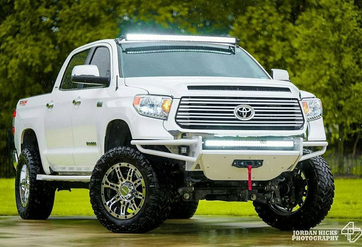 RSP Winch Bumper with direct fit LED (T141LRSPW)  #Repost @jordan_hicks_photography  #Toyota #tundra #tundracrew #trd #4x4 #nitto #nfab #demello #offfoad #liftedtruck #rocksliders #smitybilt #lightbar #usa #trailgrapplers #tundralife #twitter