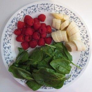 Raspberry Banana Green smoothie Gezonde smoothie met frambozen, banaan en spinazie