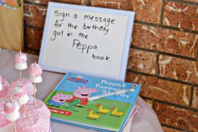 peppa pig party guest book using peppa book, brilliant!!!!