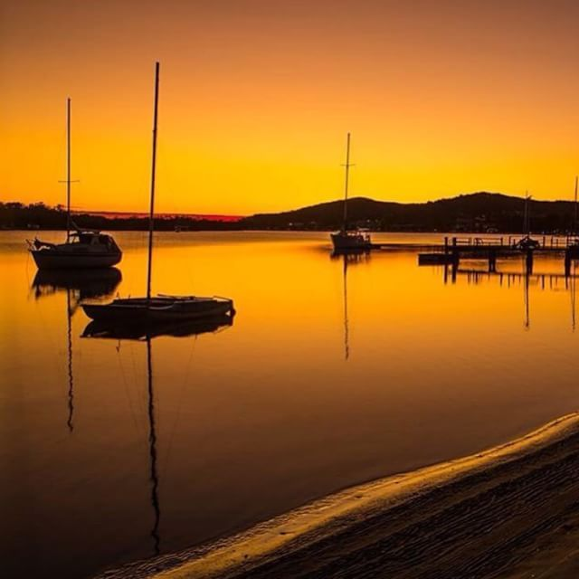 A postcard perfect golden hour by the Noosa River.