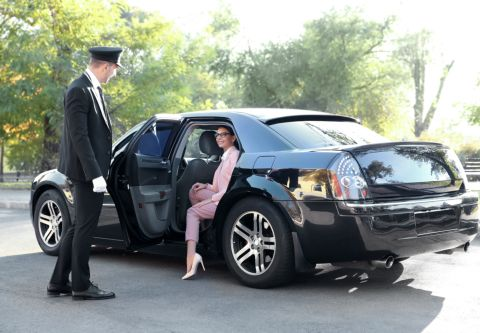 Travel In Luxury In New York City With Meemlimo Book A Luxury Car Limousine Or Luxury Bus According To The Group Size And Enjoy The Best Meemlimo Best Luxury