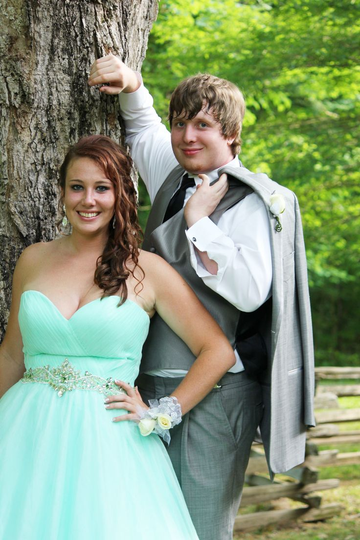 prom and couple pictures…doesn't have to be a prom/wedding pose :) #promgoals …