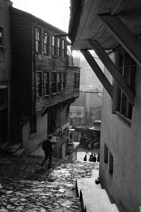 Tophane 1969 Photojournalist : Ara Guler